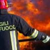 Incendi – A Summonte i roghi si avvicinano alle abitazioni
