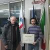 Gianluca Esposito, presidente provinciale di Endas Avellino, premiato da Giuseppe Saviano
