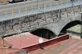 Napoli – Ponte di via Pigna preda del deperimento strutturale, fenomeno comune ad altri ponti della città