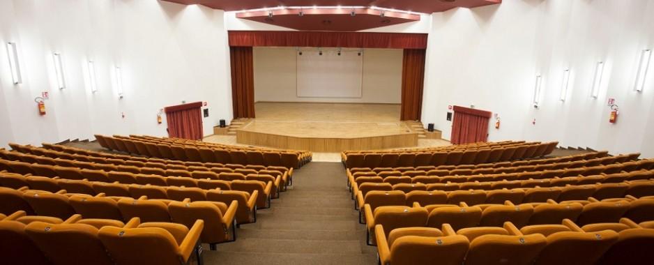 """Avellino – Conservatorio: finita l'estate la classica del """"Cimarosa"""" rimette i jeans"""