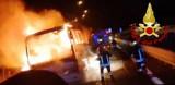 Nei pressi di Vallata un pullman di pellegrini prende fuoco