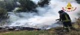 Prata P.U. – Incendio di materiale di risulta, scarti di potatura e mobilio