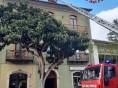 Montella – sottotetto di un edificio in fiamme: intervengono i Vigili del Fuoco