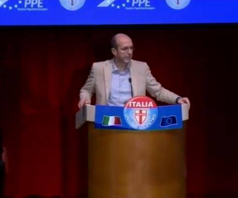 Giuseppe de mita aderisce al gruppo parlamentare per l for Nuovi gruppi parlamentari