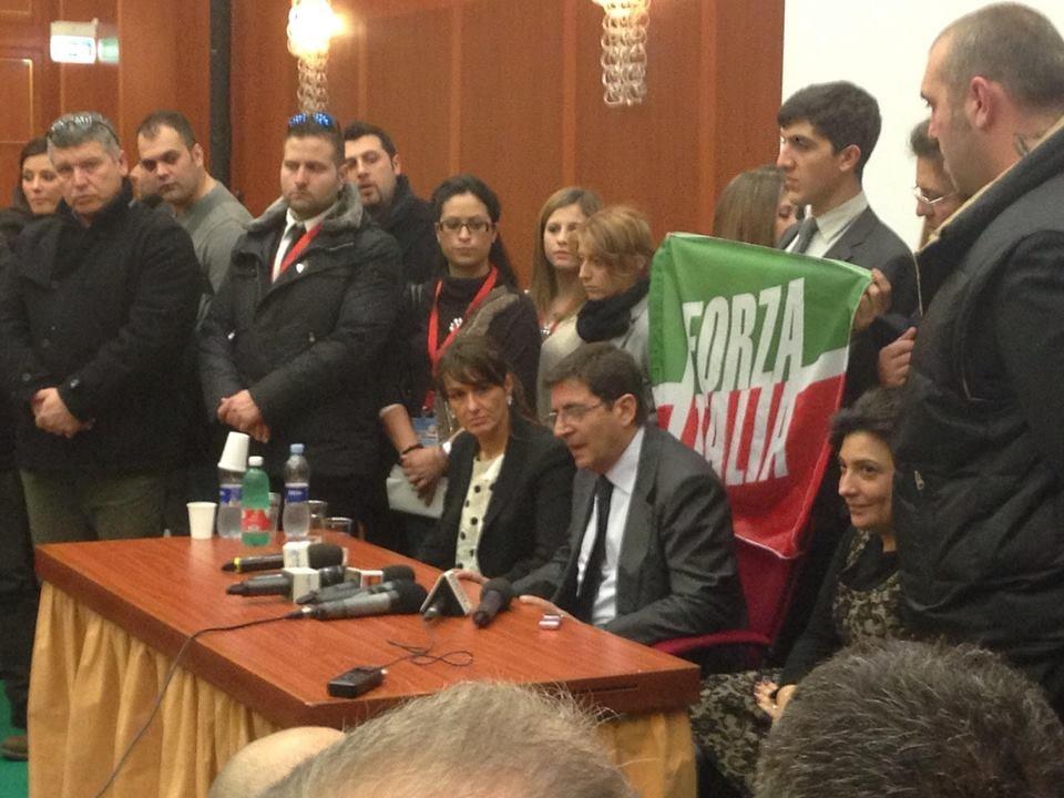 Cosentiniani esclusi dalla riorganizzazione di forza for Senatori di forza italia