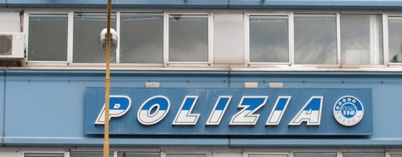 Avellino polizia accoglie in un giorno 80 migranti for Questura di carpi permesso di soggiorno