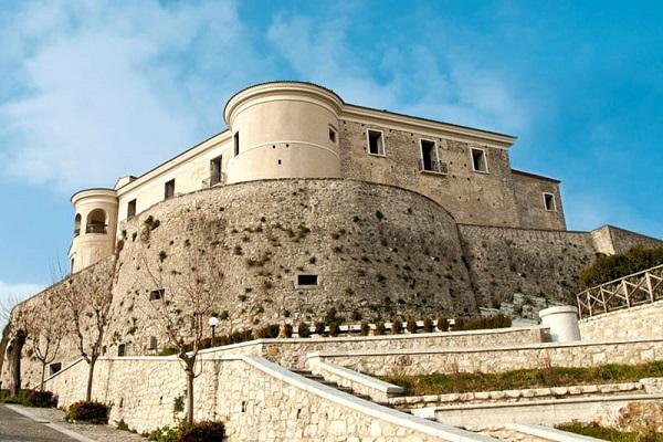 Castello-di-Gesualdo-2