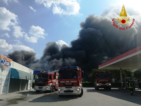 vigili del fuoco incendio ics pianodardine